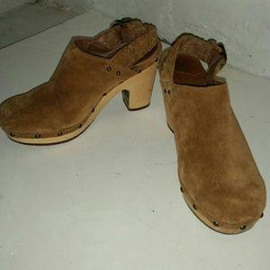 UGG Suede Sherpa Lining halfway clog shoes